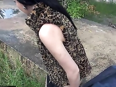 MallCuties - Two amateur girls strive sex in public - czech girls