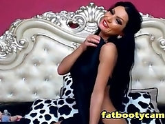 Dropdead Gorgeous Latina Milf on Cam - fatbootycams.com