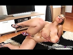 Huge tits bbw teasing pussy and special - easydatingx.com