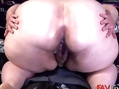 I like 8 inch dildo'_s and getting my pussy pounded