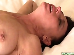 Alexandra gets a stud to eat her pussy