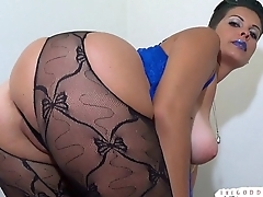 Goddess Brandon'_s Ass and Titties Mind Fuckery SENSUAL SMOKING FEMDOM POV