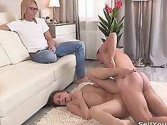 My boss fucked my wife = watch nearly http://adf.ly/1YkvBO